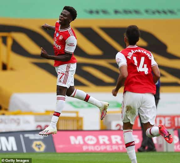 Gunners shoot down Wolves while United feast on low-hanging Cherries